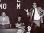 Achille Piantoni durante un'assemblea dei lavoratori.