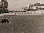 Gara ciclistica al velodromo costruito dall'azienda.