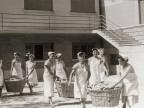 Ceste di pane per gli ospiti della colonia marina F. Ratti di Desio.
