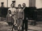 Ritratto della famiglia Pirola.
