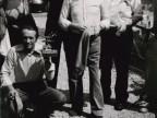 Foto di gruppo di alcuni membri della squadra di pesca del Cral aziendale.