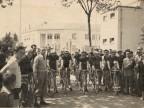 Gara ciclistica lungo le vie della città.