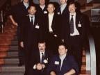 Guido Rota con i colleghi sulla scalinata del palazzo della direzione.