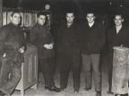 Luigi Fin con i colleghi di reparto.