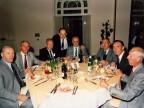 Luigi Zanotti con gli ex colleghi a un convivio nella foresteria aziendale.
