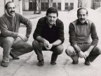 Roberto Caccia con i colleghi all'interno dello stabilimento.