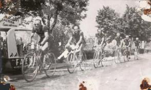 Ciclisti del Cral aziendale in gara.