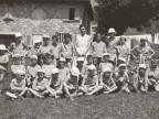 Giuseppe Mora insieme ai compagni della colonia alpina Mario Garbagni.