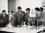 Delegazione esterna in visita al laboratorio centrale.