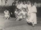 Giuseppina Betelli con le colleghe della colonia elioterapica.
