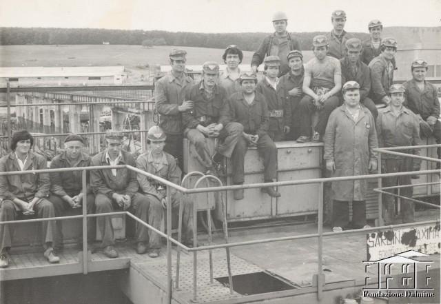 Cea mai performanta echipa. Reparatii poduri rulante. 1984