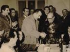 Premiazione del partigiano Ermanno Biagi.