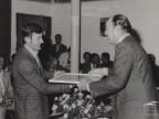 Mario Quadrelli premiato per la fedeltà aziendale.