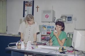 Ritratto di due impiegate negli uffici di Siderlandini.
