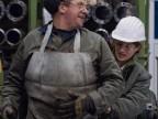 Operatori al lavoro nello stabilimento TenarisSilcotub.